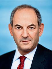 PvdA: bij ontslag aan andere baan helpen