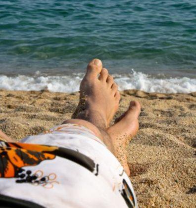 Thuisblijvers stressen door collega op vakantie