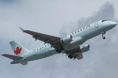 Canada wil piloten in de lucht houden