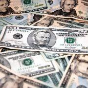 Salaris topbankiers stijgt 10 procent