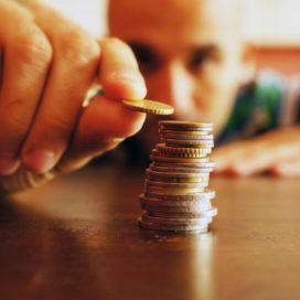 'Oudere moet salaris inleveren'