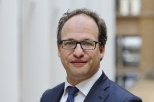 Minister Koolmees stuurt WAB naar Tweede Kamer