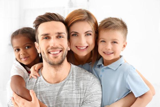 Adoptieverlof: hoe verloopt de loondoorbetaling?
