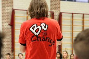 Be the change: 'over de streep'