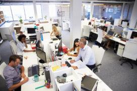 Werken in de lawaaiige kantoortuin: vier tips