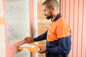 PostNL stopt met contracting en stapt over op uitzendconstructie